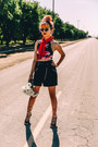 Red-chiffon-vintage-scarf-silver-metal-tom-ford-sunglasses