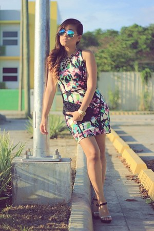 magenta Shopaholic dress - teal cotton on sunglasses - black Parisian heels