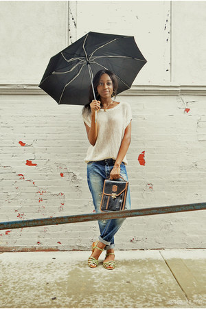 dark khaki boyfriend jeans Scotch & Soda jeans - beige knit Uniqlo top