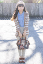 sky blue Forever 21 top - beige H&M hair accessory