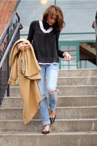 nude coat - jeans - black shirt