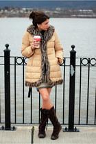 camel INC coat - dark brown Columbia boots