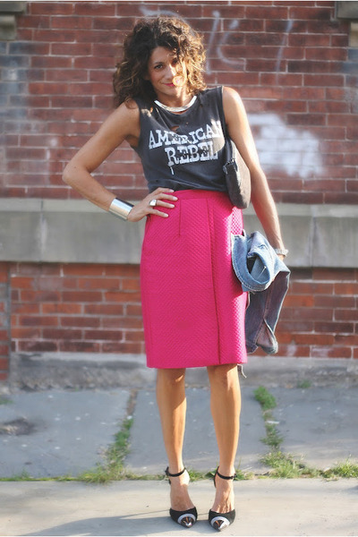 hot pink vintage skirt - gray Chaser t-shirt - Jeffrey Campbell heels