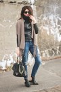 Leather-jacket-light-brown-district-collection-sweater