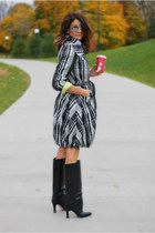 trench coat UBU jacket - black Manolo Blahnik boots