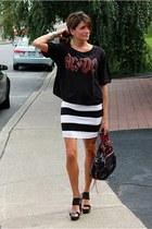 H&M skirt - black t-shirt - black Jessica Simpson wedges