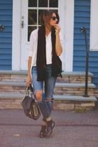 crimson vintage scarf - black Burberry loafers