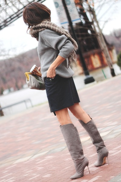heather gray brian atwood boots - heather gray vintage sweater