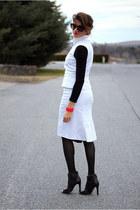 white vintage Carolina Herrera suit - black BCBG heels - hot pink JCrew bracelet