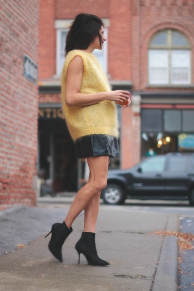 yellow vintage sweater - leather gilet Choies vest