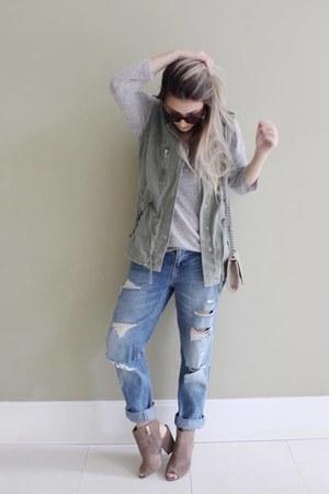 Zara jeans - Schutz boots - Forever 21 bag - Riachuelo vest - Zara blouse