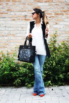 Zara sunglasses - Schutz shoes - canal jeans - Forever 21 shirt - Chanel bag