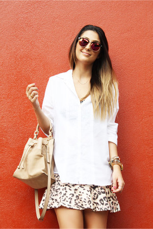 American Eagle shirt - Zara bag - Forever 21 glasses - Schutz flats