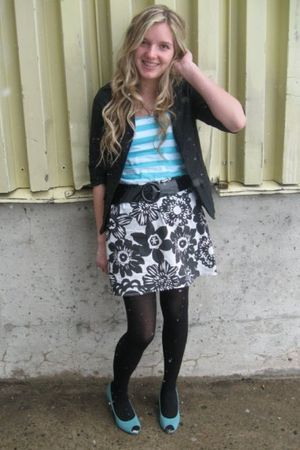 blue American Eagle shoes - black Aeropostale skirt - black Seduction blazer - b