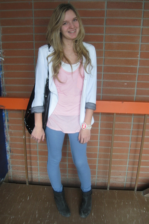 blue leggings - white blazer - black purse - pink Forever21 bracelet