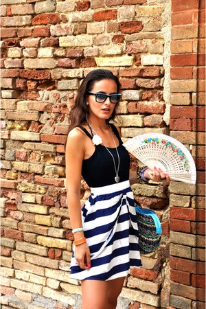 Sicily bag bag - Romanian dress dress - rayban sunglasses - benetton bracelet