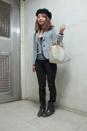 gray cardigan - black pants - black boots