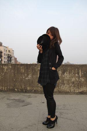 black blouse - black shoes - black tights