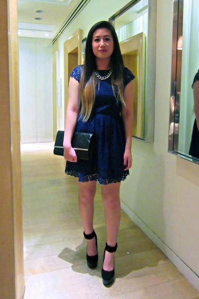 black jevan Dolce Vita shoes - blue lace H&M dress
