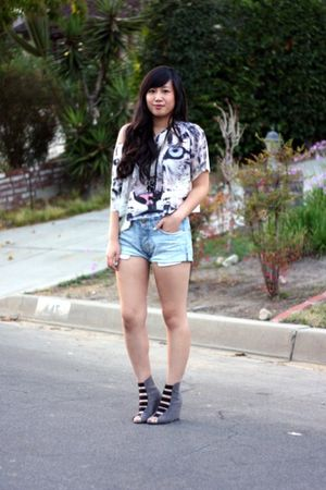 white H&M top - blue H&M shorts - gray Forever 21 boots