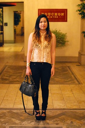 peach lace Forever 21 top - black Forever 21 shoes - black cotton on jeans
