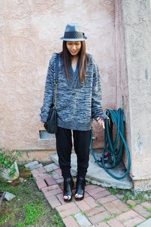 Gap shirt - H&M sweater - Zara pants - forever 21 boots - forever 21 hat - H&M p