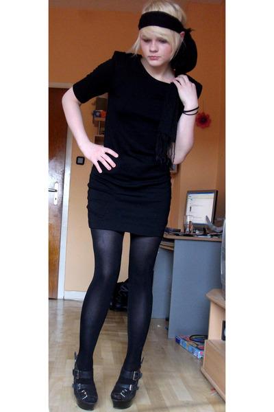 black H&M dress - black tights - shoes - black scarf