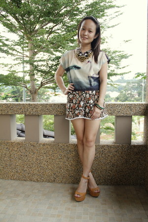 H&M top - DIY shorts - Steve Madden heels - thepoplookcom necklace