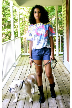 black Charlotte Russe boots - white DC comics shirt - navy papaya shorts