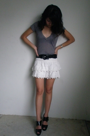 Urbanogcom t-shirt - thrifted belt - Mango skirt - forever 21 shoes