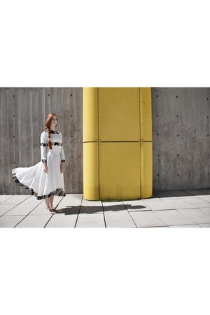 white sarga jacinta clo dress