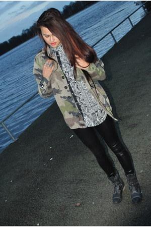 Warf Wlid jacket - Zara blouse