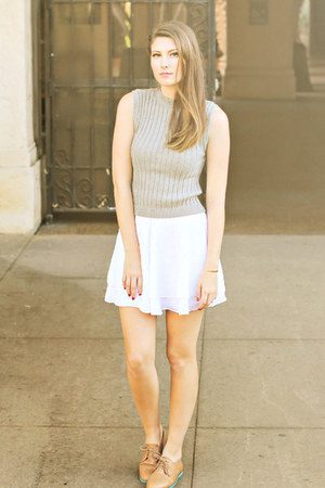 white Urban Outfitters skirt - heather gray Forever 21 top