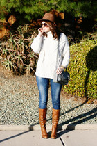 blue Zara jeans - light brown Steve Madden boots - off white Zara sweater