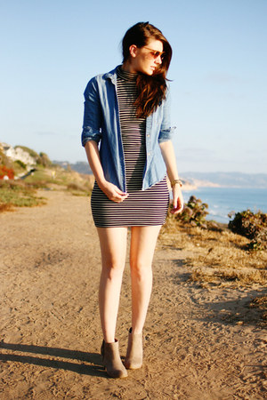 blue BDG shirt - tan Express boots - black American Apparel dress