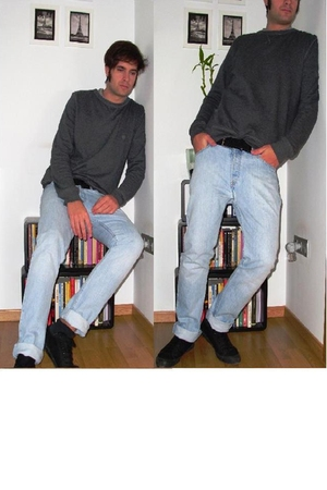 blue Levis jeans - gray H&M sweater - black Fred Perry shoes - black Lacoste bel