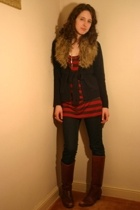 forever 21 top - H&M sweater - H&M jeans - thrifted necklace - thrifted boots