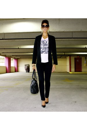 graphic Modern Lux top - Nine West shoes - mandees blazer - tory burch purse