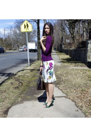 green Gucci shoes - alma Louis Vuitton purse - floral New York & Company skirt