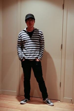 Zara hat - Zara sweater - Zara jeans - Converse shoes
