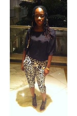 black Target blouse - black and white honeycomb hideout pants - black Bakers san