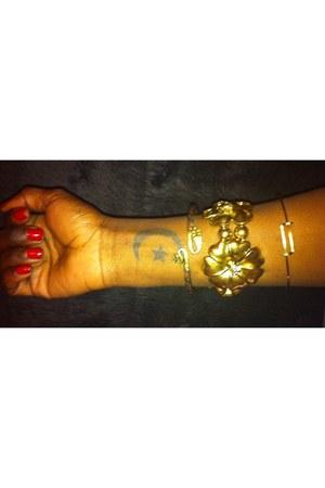 twisted snake thrifted vintage bracelet - gold floral Forever 21 bracelet - bang