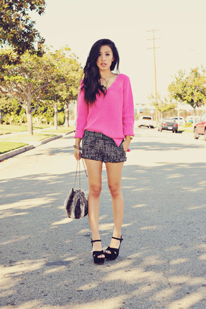 knit Zara sweater - faux fur Zara bag - tweed Agaci shorts