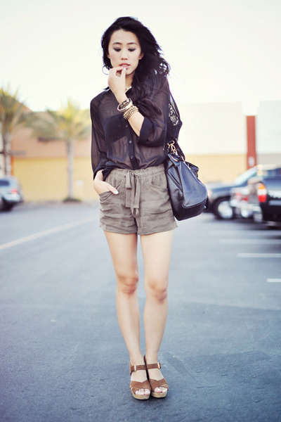 VJ Style bag - Forever 21 shorts - Nine West sandals - Oh my Frock blouse - Fore