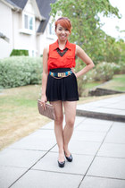 black pleated Zara skirt - tan Miu Miu purse - blue toggle BCBG belt
