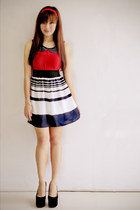 navy striped Zara skirt - red 1017 Clothing top - black velvet apartment 8 pumps