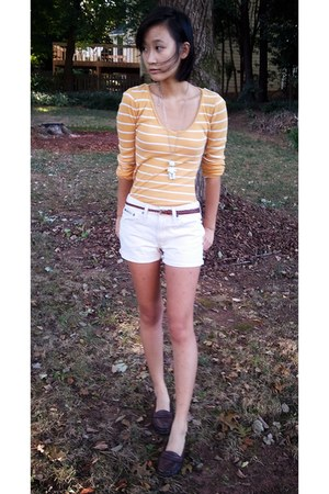 striped v-neck SO shirt - shorts - bear pendant Forever 21 necklace - loafers