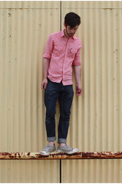 3b1155dbad4a red BDG shirt - blue Levis jeans - gray Converse shoes - brown J Crew belt