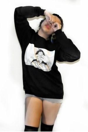 black DiscreetlyCensored sweatshirt