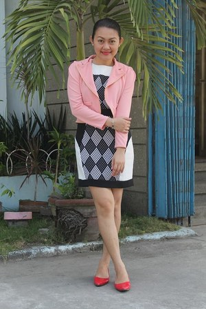 black dress - salmon blazer - red ring